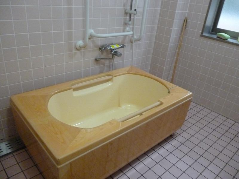 老人ホーム共有浴槽