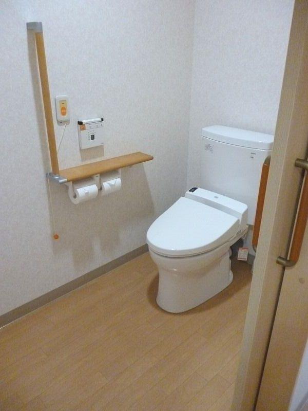 老人ホーム部屋入居者居室トイレ