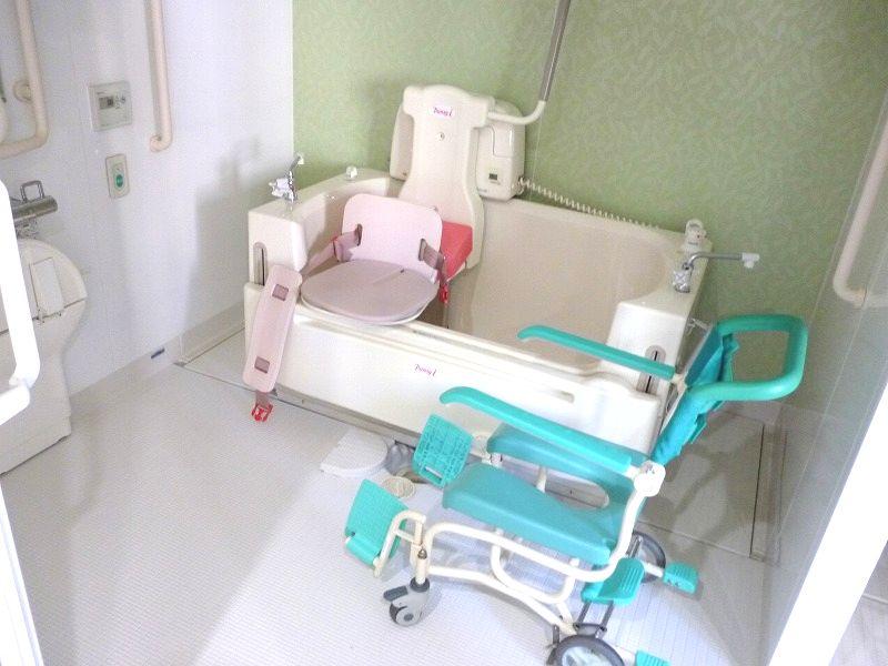 老人ホーム機械浴