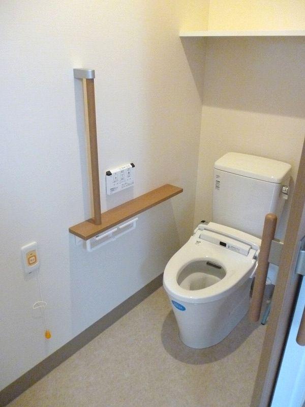 老人ホームトイレ
