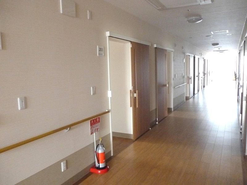 老人ホーム廊下