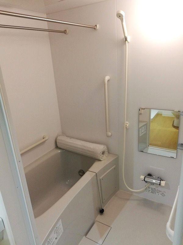 老人ホーム浴室部屋
