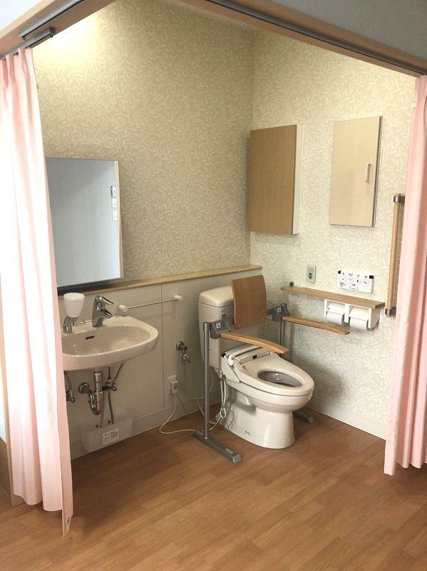 有料老人ホーム居室トイレ